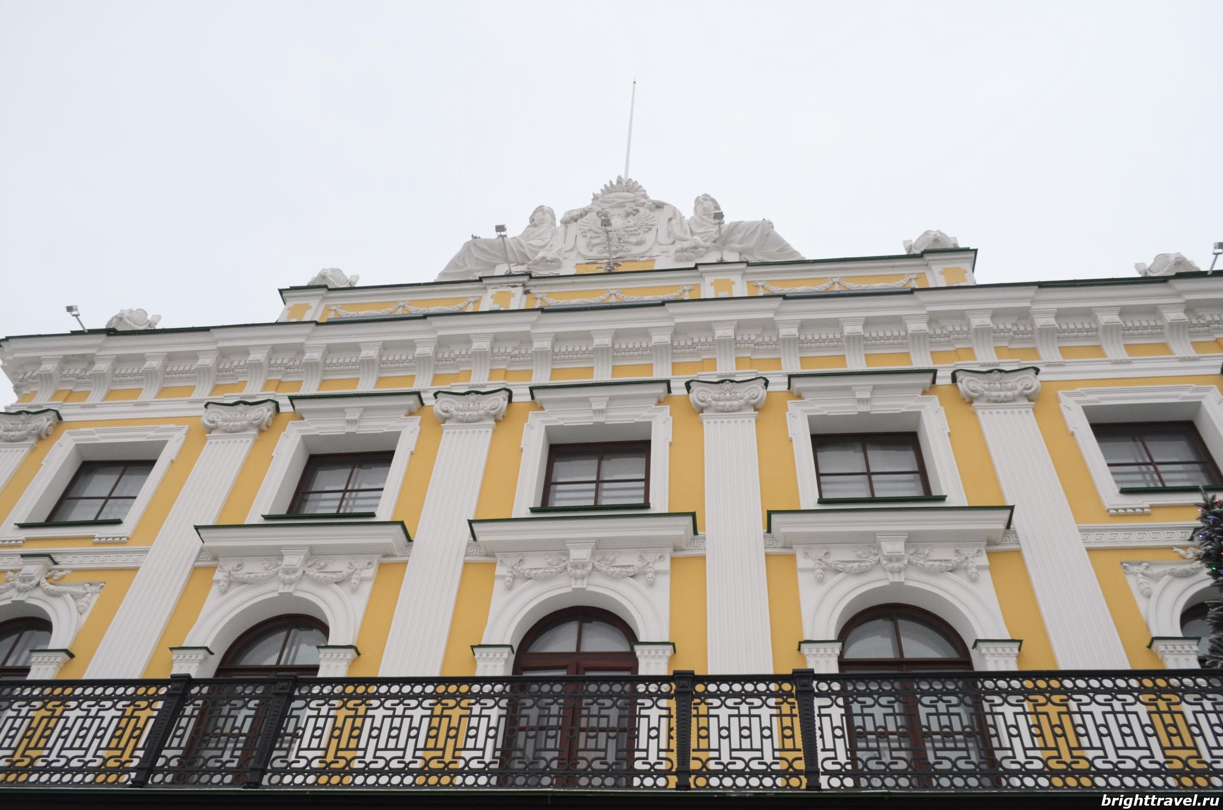 Фасад главного корпуса Императорского дворца Твери
